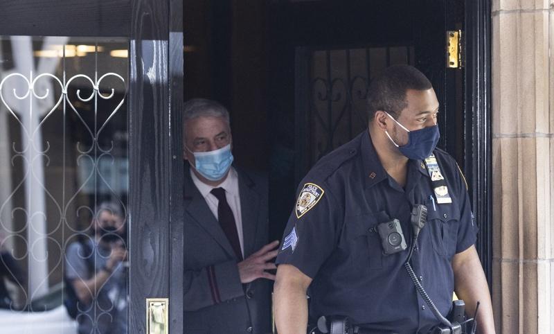 Обиск в апартамента на Руди Джулиани в Ню Йорк
