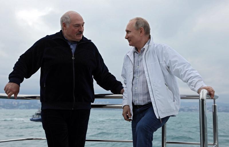 Путин Лукашенко яхта Черно море