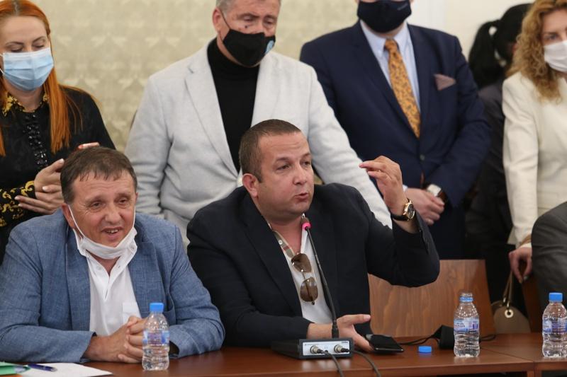 Илчовски и Иван Ангелов