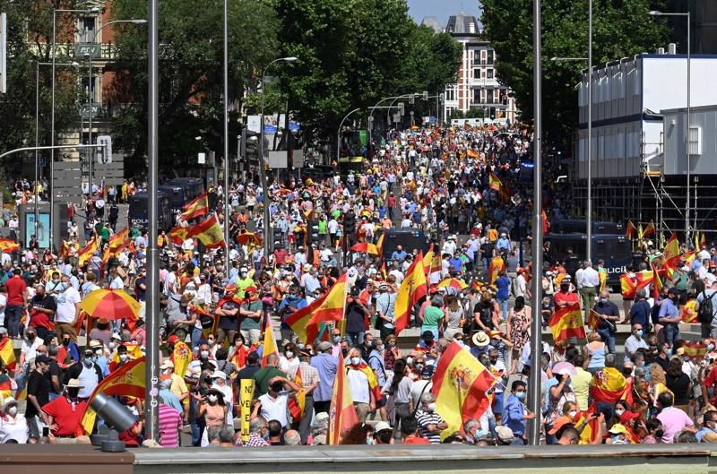 Мадрид протест Каталуния площад Колумб