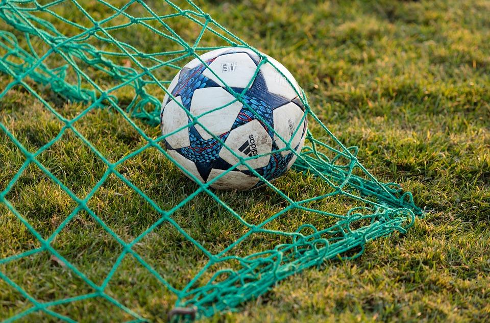 футбол топка гол