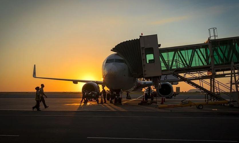 самолет летище