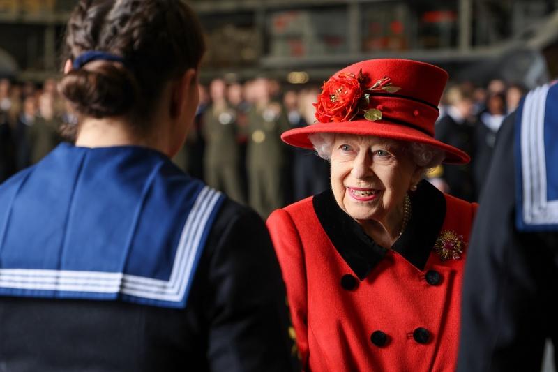 Елизабет II кралица