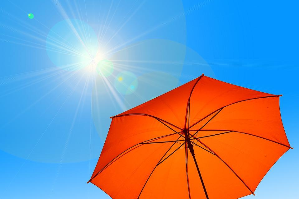 слънце жега чадър