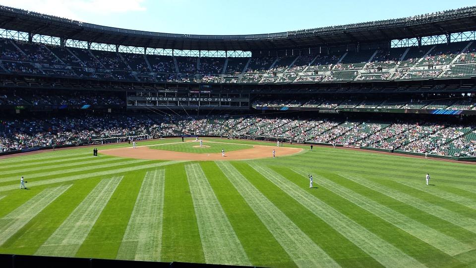 бейзбол стадион