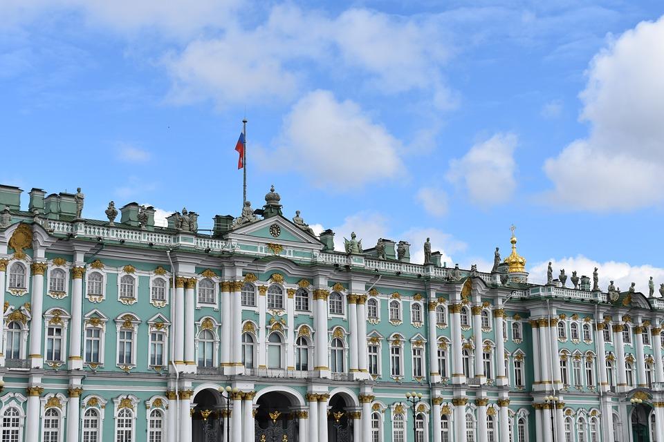 Санкт Петербург Зимният дворец