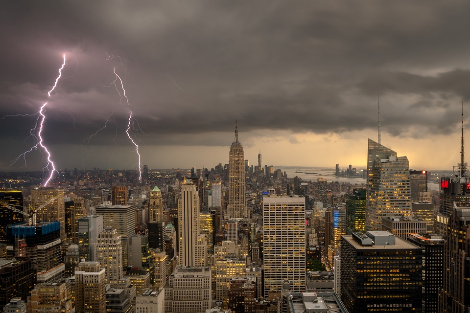 Ню Йорк мълнии дъжд