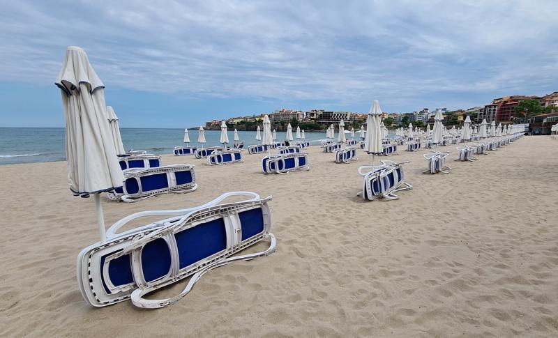 Черноморие плаж шезлонги