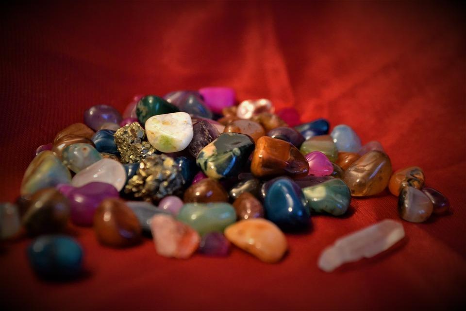 скъпоценни камъни минерали