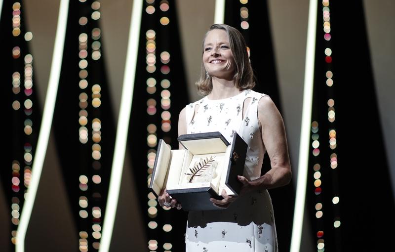 Джоди Фостър с отличието в Кан