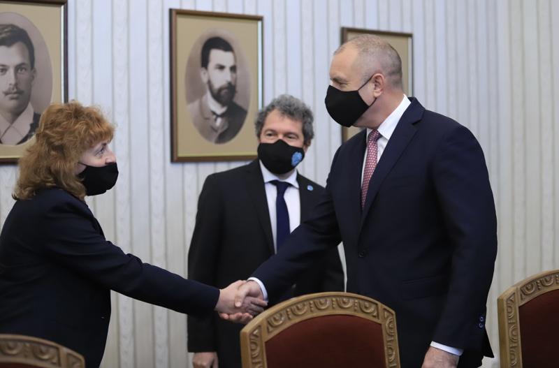 Румен Радев, Тошко Йорданов, Виктория Василева