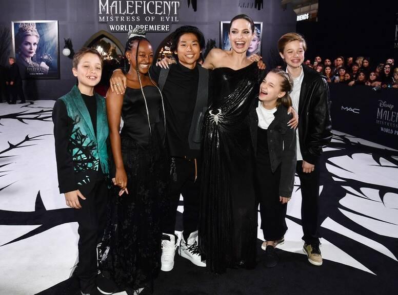 Анджелина Джолис децата си