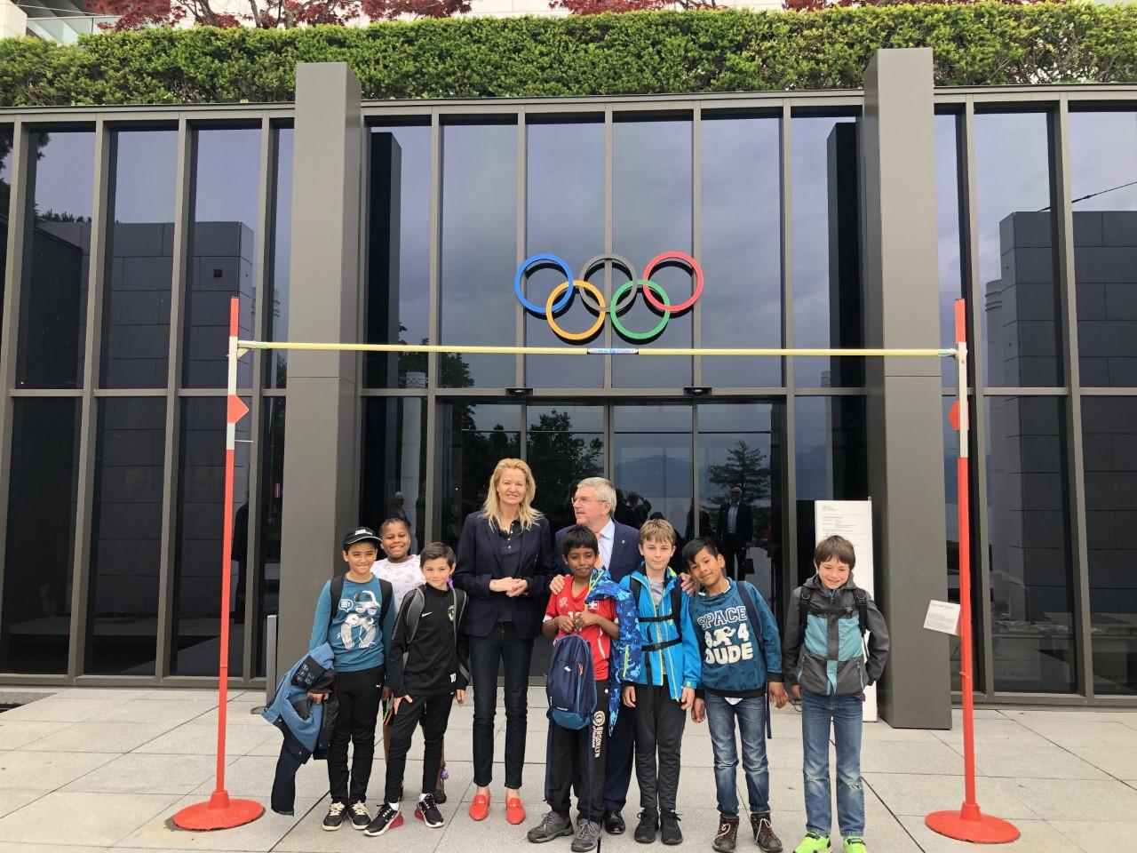 Стефка Костадинова пред централата на МОК