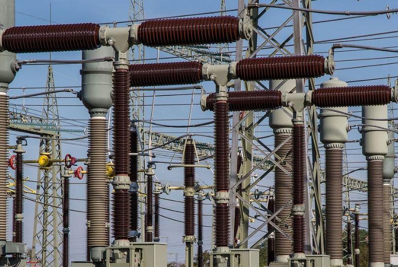 ток електричество трансформатор жици