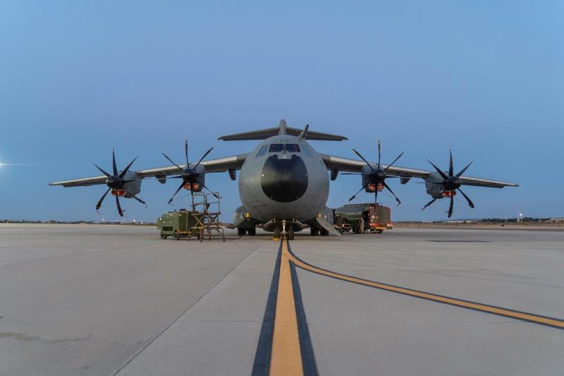 военен самолет Кабул