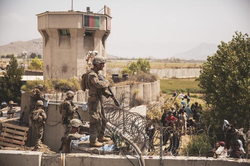 Кабул летище войници