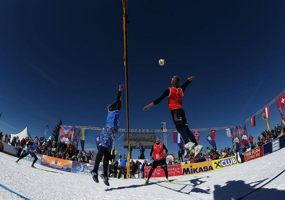 снежен волейбол снимка Туитър