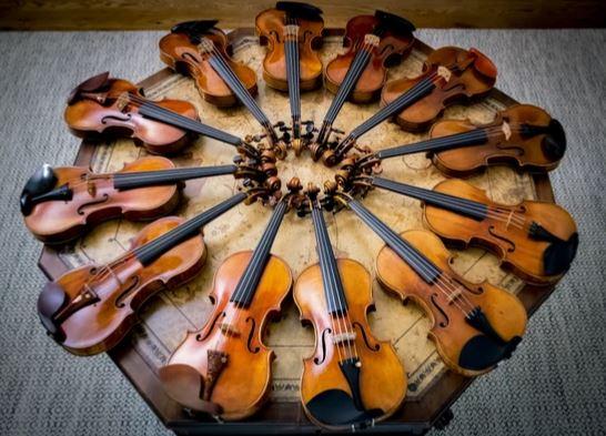 цигулки Страдивари Страдивариус