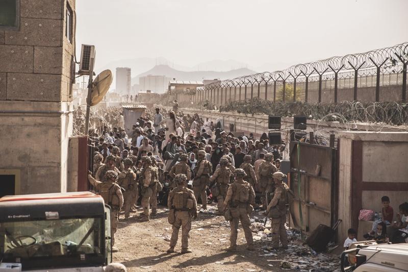Кабул летище евакуация Афганистан