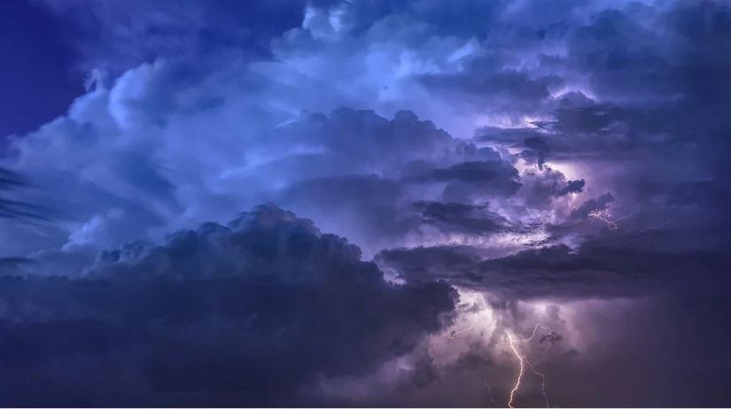 мълния буря гръмотевици