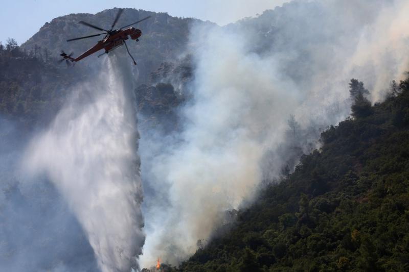 горски пожар хеликоптер