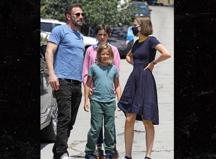 Бен Афлек с децата си