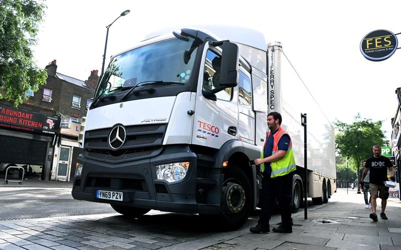 камион Великобритания шофьори