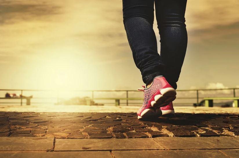 ходене разходка крачка