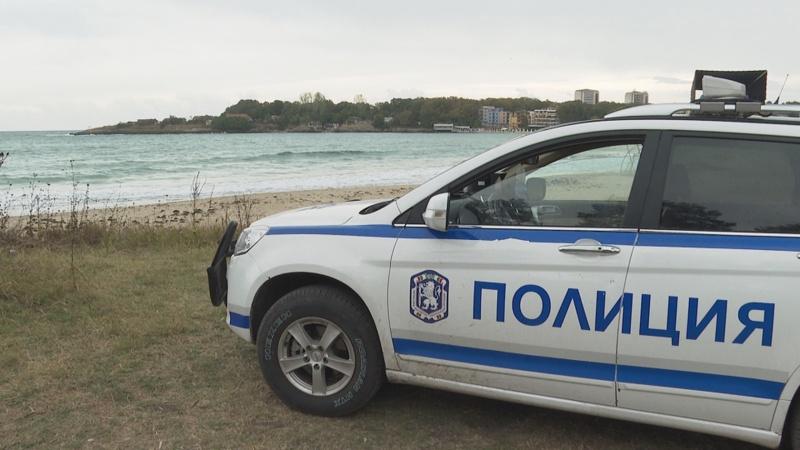 полиция море Китен плаж вълни