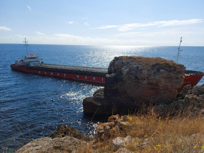 кораб, Камен бряг
