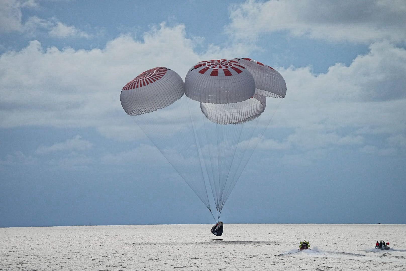 кацане на космонавти