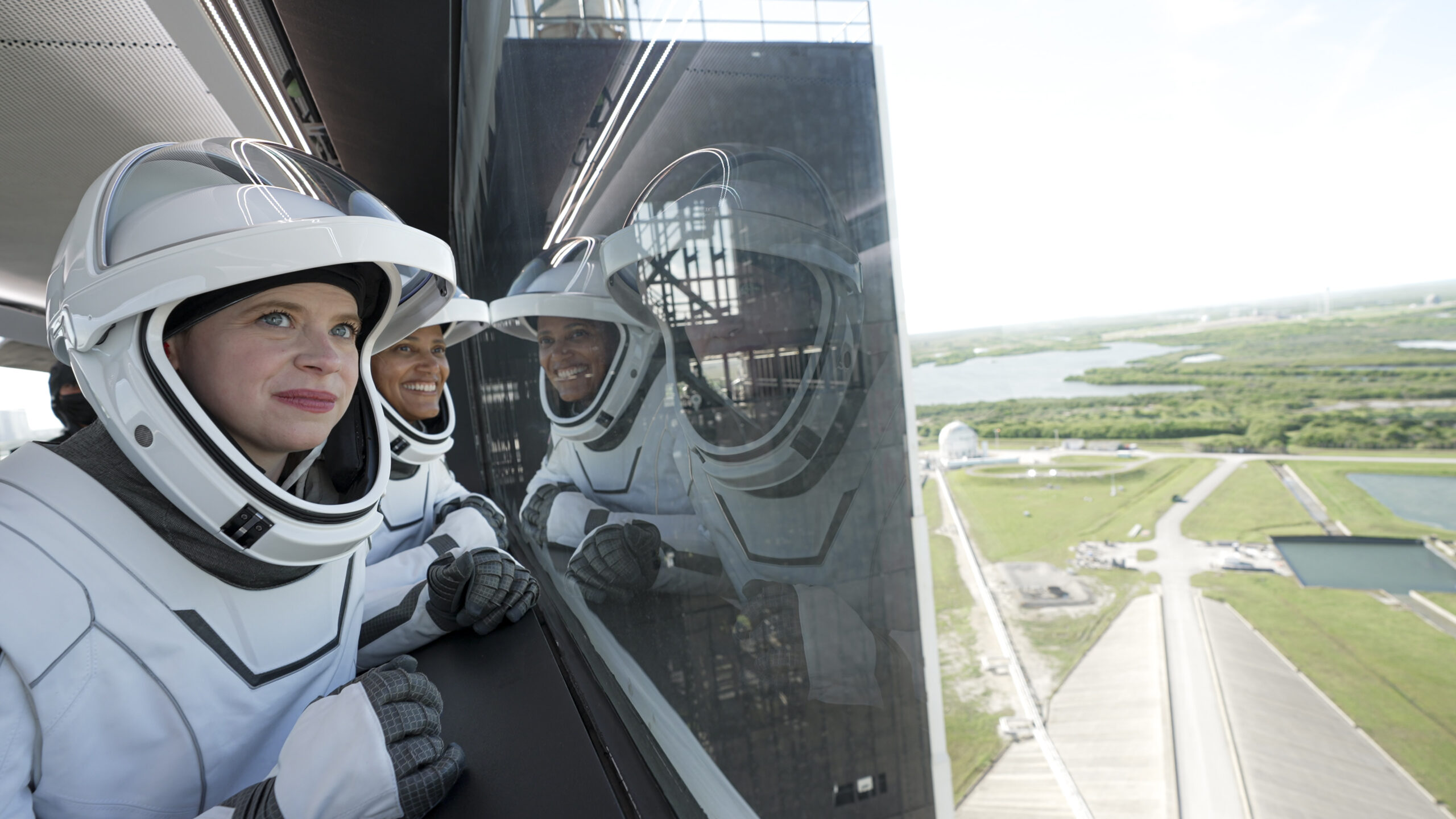 Space X, космонавти